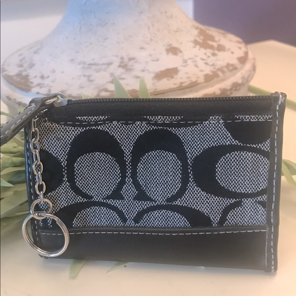 Coach Con Purse, excellent condition! Black & gray